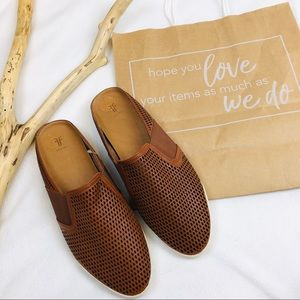 ➖Frye➖ slip on shoes